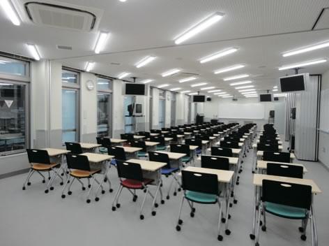 大教室(4F・7F)